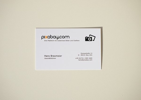 business-card-318427_640